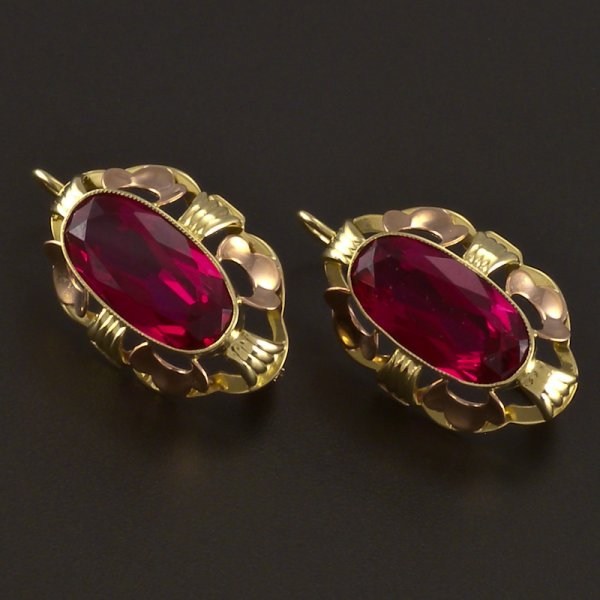 Rotgold ohrringe mit rubin