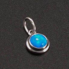 Kleiner runder Weißgoldanhänger mit Opal