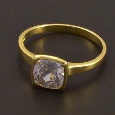 Gold-Ring mit quadratischem Zirkon