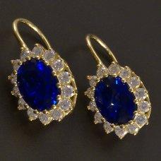 Goldene Ohrringe mit Saphir