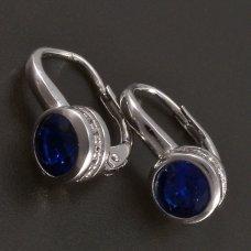 silberne Ohrringe mit dunkelblauem Zirkon