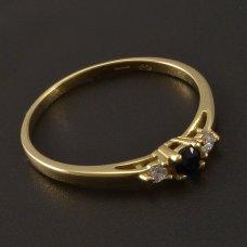 Goldring mit naturlichem Saphir und Diamanten
