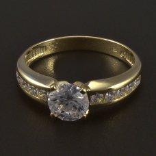 goldene Verlobungsring