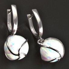 Weißgoldene Ohrringe mit weißer Opal