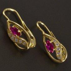 Goldene Ohrringe mit Rubin